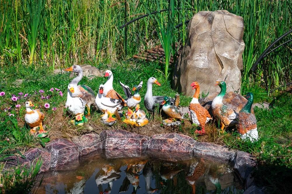 Фигурки для сада гуси