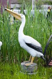 Фигура пеликан